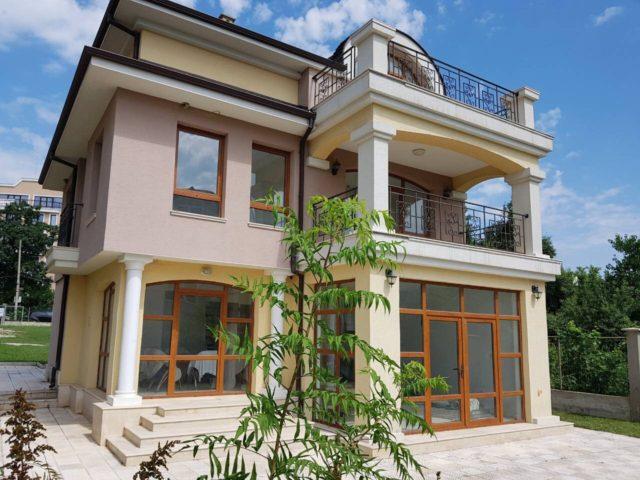 Vila 300 m from the sea in Varna