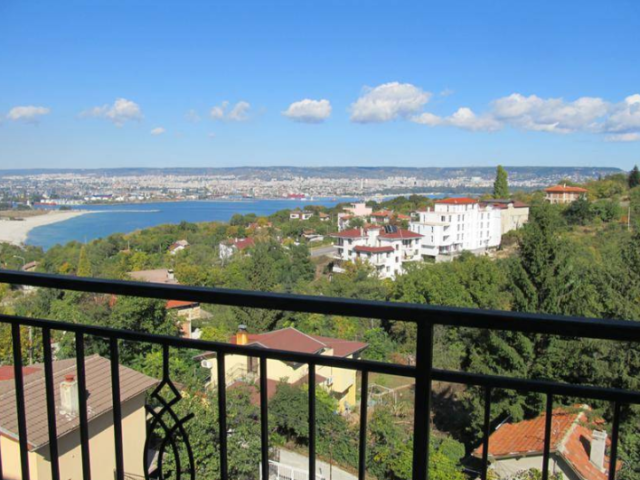 For sale one-bedroom apartment 96sq.m. locality Zelenika, Varna, with panoramic sea views
