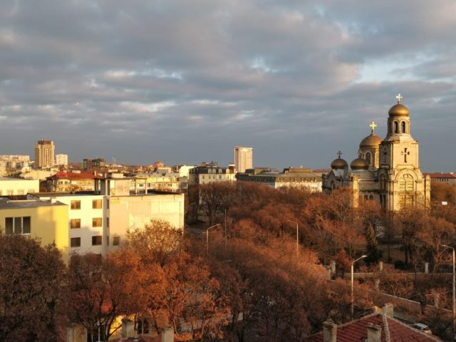 Rent 2-bedroom apartment in the center of Varna.